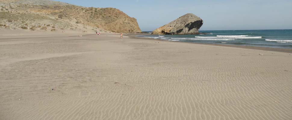 Playa de Monsul. Playas en Cabo de Gata